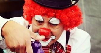 kinder clown