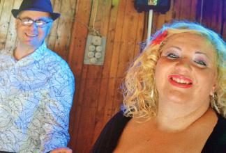 Dany & Elisa dei `Manupia` Party Duo