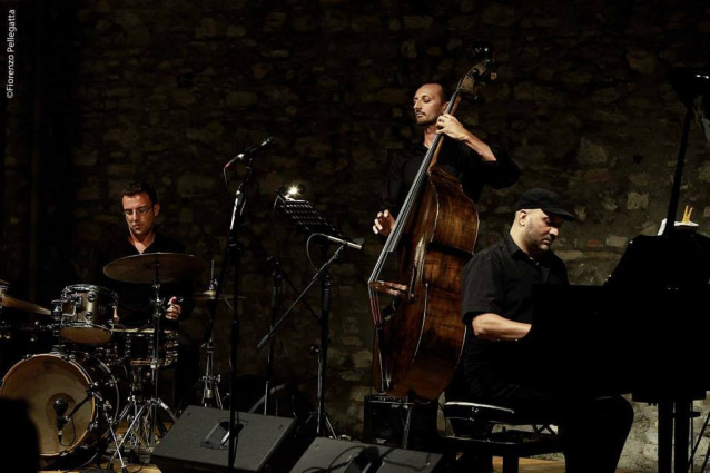 Evergreen Jazz Trio picture