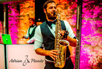 Adrian - Live Saxophone Performance