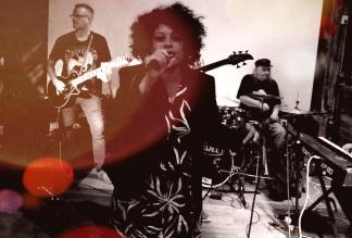 Lili Rhose - Band