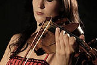 Nina Ulli als Solo-Hochzeitsumrahmung für Events / Salonorchester Odeon / Idemo!